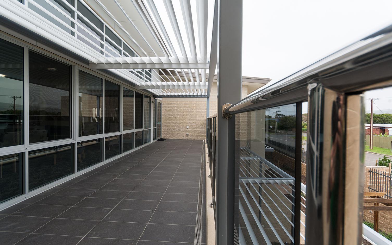 https://ggtiling.com.au/wp-content/uploads/2016/06/Resthaven-Port-Elliot-G-G-Tiling_0000_Resthaven-Pt-Elliot-balcony.jpg